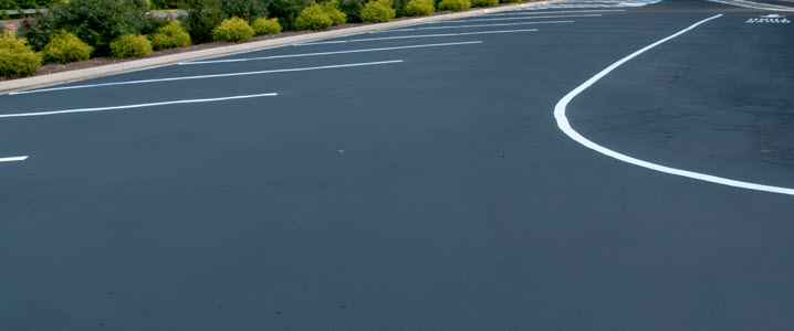 white line painting in Birmingham West Midlands by Paving Birmingham uk